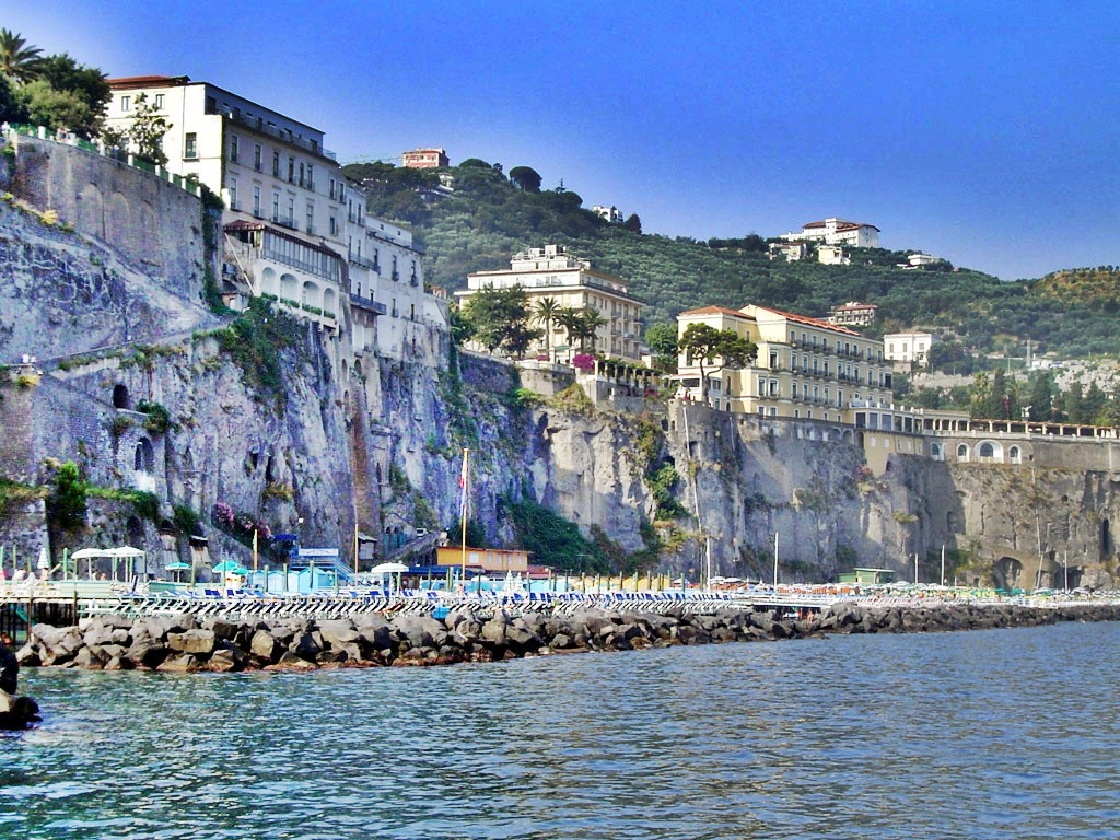 Best Beaches Along The Amalfi Coast