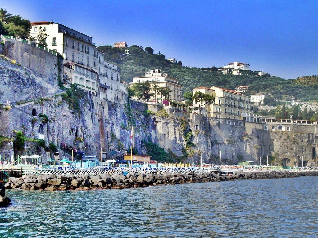 Best Beaches In Sorrento Italy