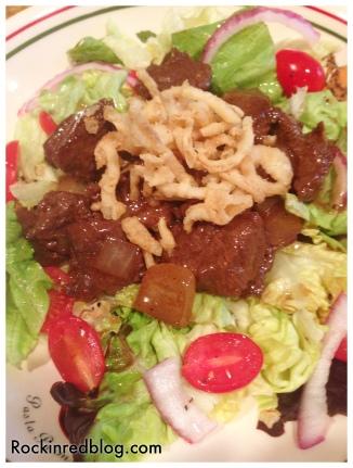 Monte Velho Bo Luc Lac salad