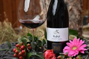 peter-zemmer-rolhut-pinot-noir-italian-wine